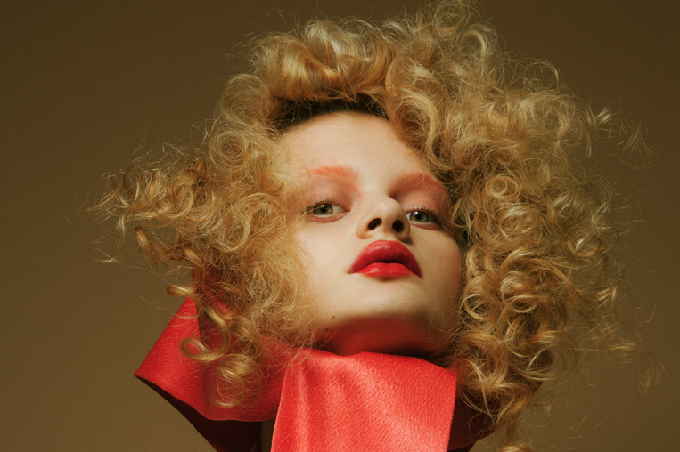 blond curls fashion glamour silk