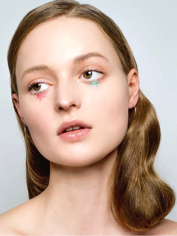 beauty editorial shooting alain egues makeup pink glossy eye