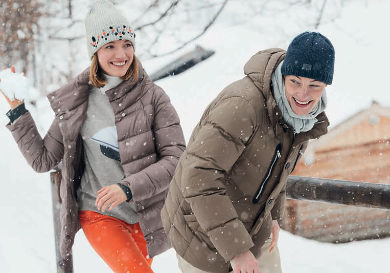 couple outdoor in snowy winter