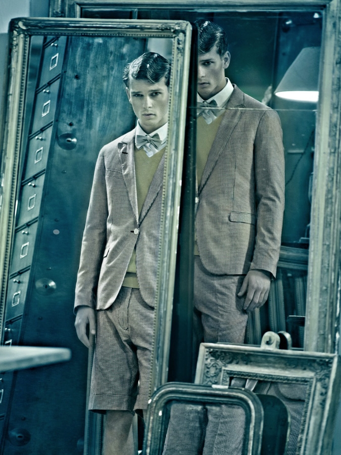 Male Model Vintage Look Outfit Mirror