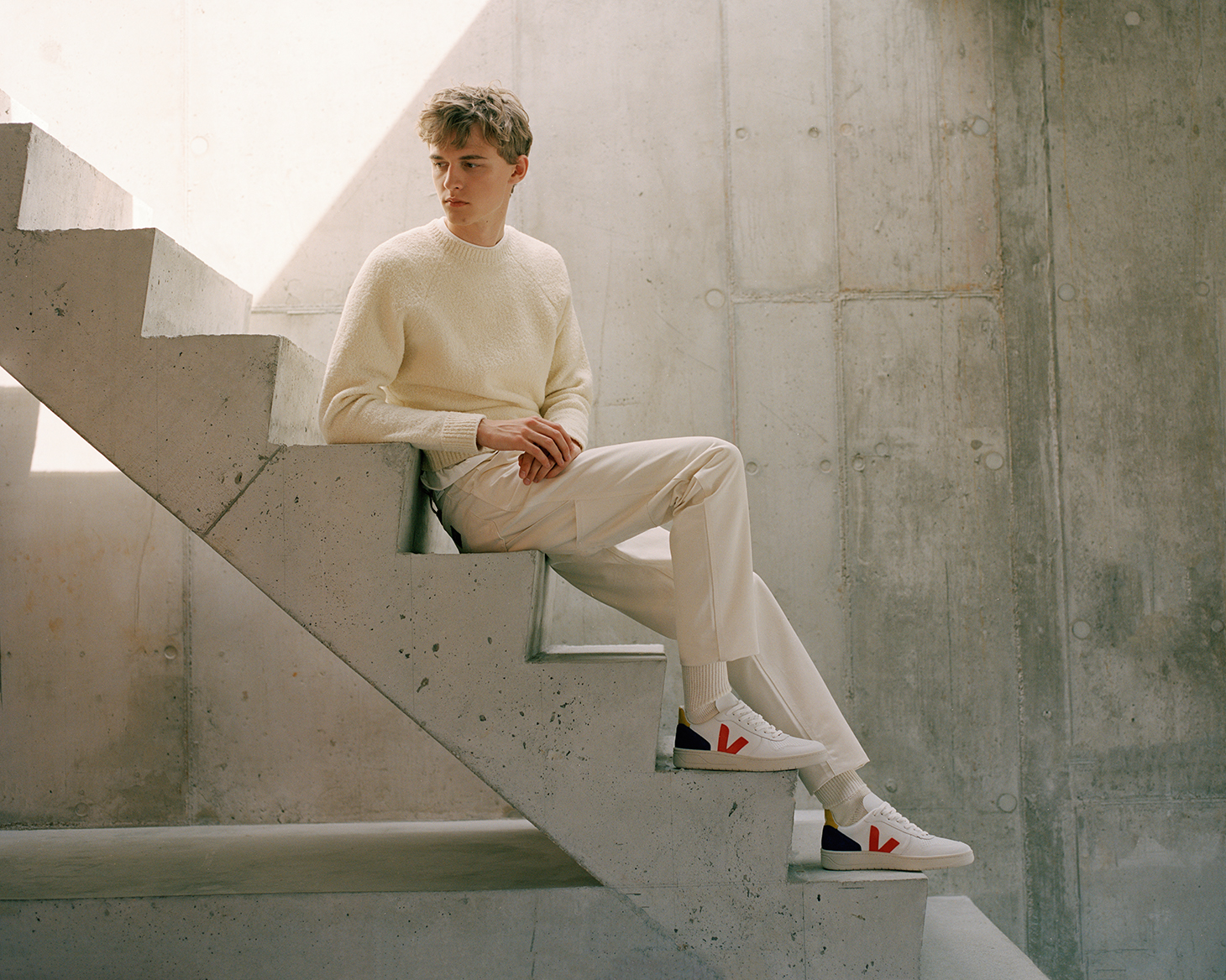 White Outfit Young Stairs Shoes Red Stripe