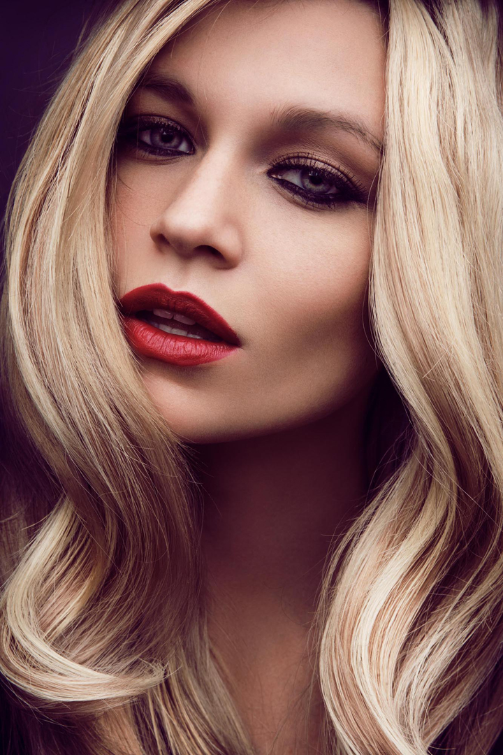blond haare hair beauty red rote lippen lipswelle
