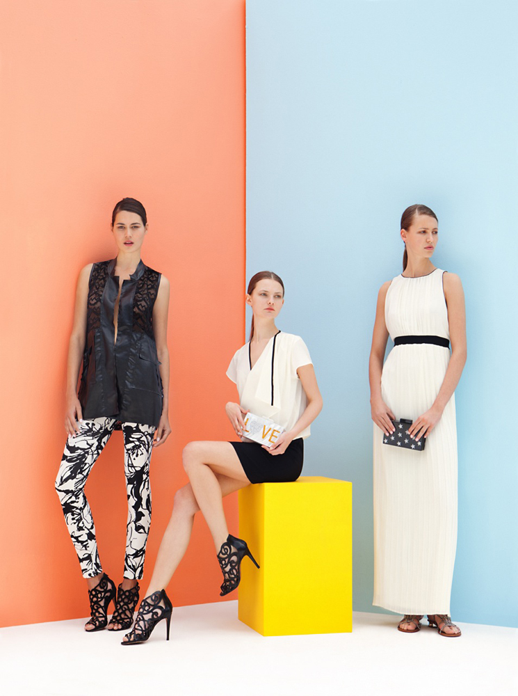 coloured walls girls group fashion