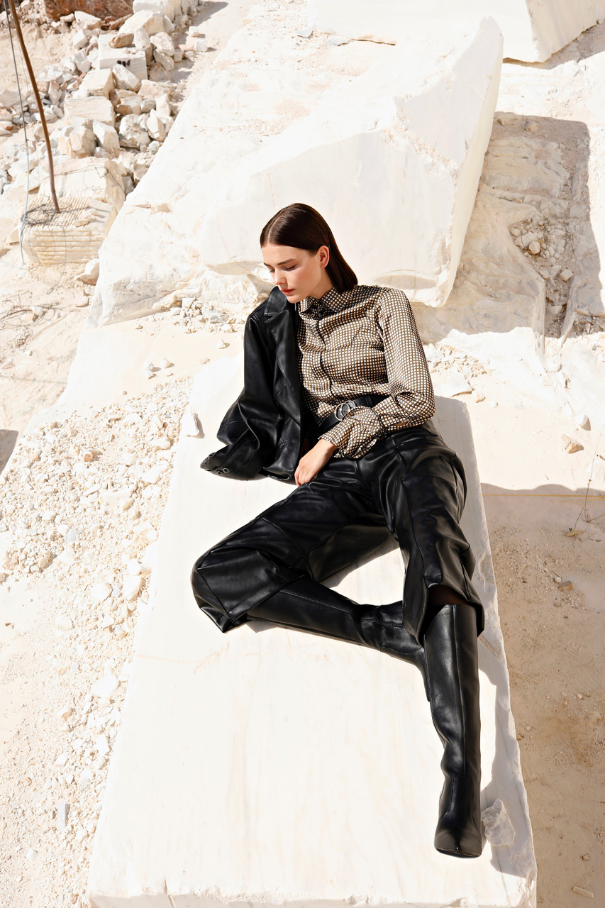 Constantinos Tsiliacos photography greece outft lookbook sunny white stone