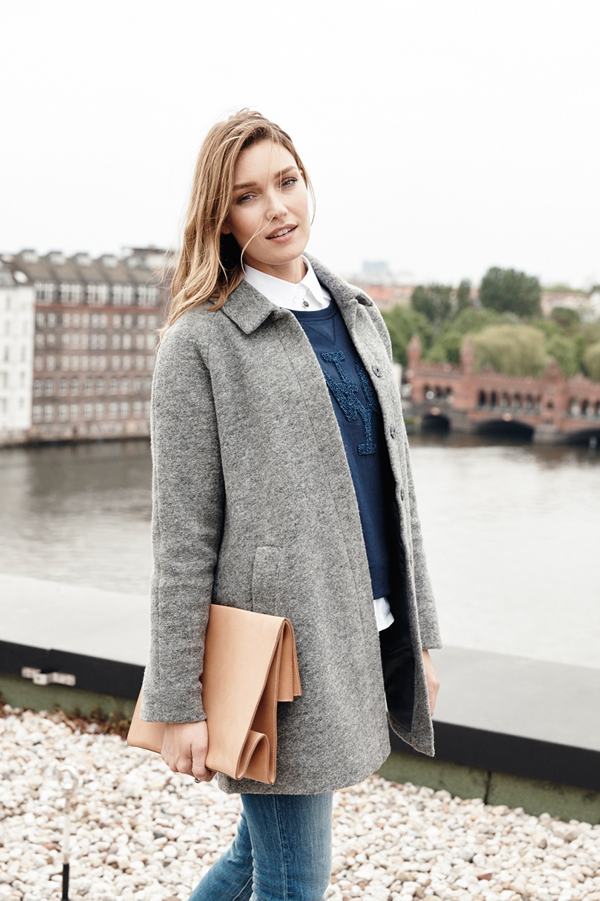 female model wather grey jacket