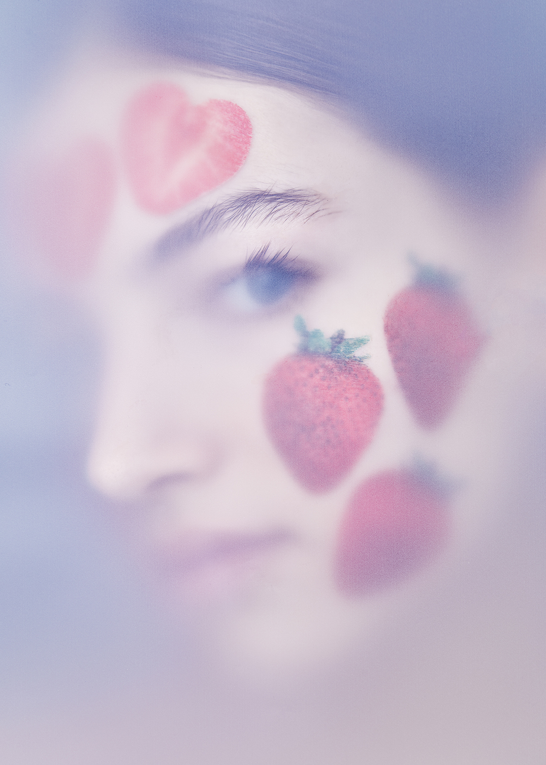 Strawberry Face Sheet Mask Model Blue Eyes